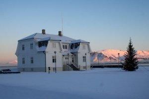 GJ-26-northern-lights-in-style - GJ-26-Reykjavik-Höfdi-House.jpg