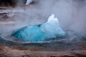 GJ-27-AURORAS-GLACIAL-LAGOON - GJ-27-Geysir-hot-spring.jpg