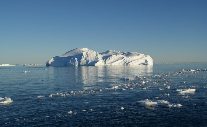 GJ-92-iceland-greenland-discovery - GJ-Midnight-sailing-at-the-Icefjord-Ilulissat-banner.jpg