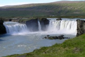 GJ-99-Grand-tour-of-Iceland - GJ-99-Godafoss.jpg