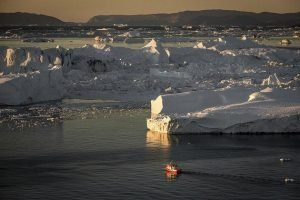 GJ-WGR-14AA-Greenland-winter-experience - GJ-WGR-14AA-Ilulissat-Winter-28-001.jpg - Image copyright by courtesy of Visit Greenland and their contracted photographers