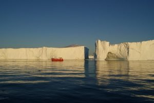 GJ-WGR-4-Amazing-days-Ilulissat-4-days - GJ-WGR-4-Midnight-sailing-at-the-Icefjord-34.jpg