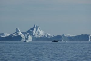 GJ-WGR-5-Amazing-days-Ilulissat-5-days - GJ-WGR-5-Eqi-Glacier-Tour-33.jpg - Image copyright by courtesy of Visit Greenland and their contracted photographers