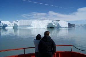GJ-WGR-5-Amazing-days-Ilulissat-5-days - GJ-WGR-5-Eqi-Glacier-Tour-4.jpg - Image copyright by courtesy of Visit Greenland and their contracted photographers
